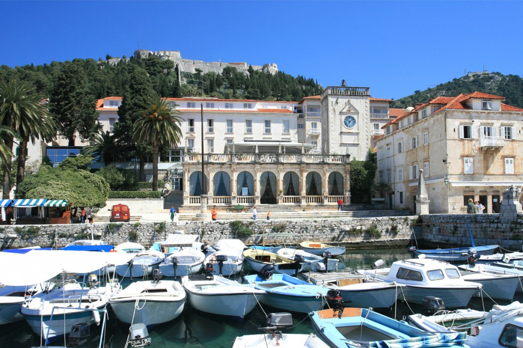 Accommodation in town Hvar